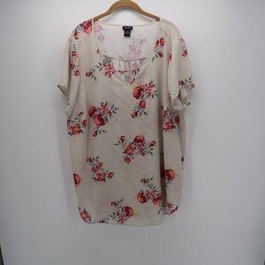 Torrid Floral V-Keyhole Short Sleeve Top Blouse
